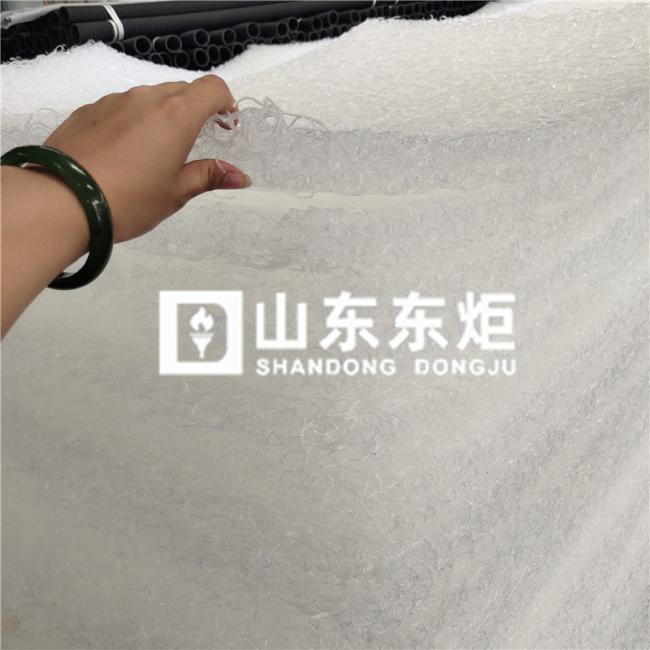 白色排水席垫产品演示图1