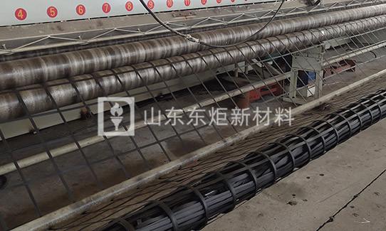 钢塑土工格栅产品演示图2